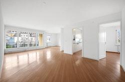 Wohnzimmer -Die gezeigte Bilder dienen als Referenz, Abweichungen sind möglich